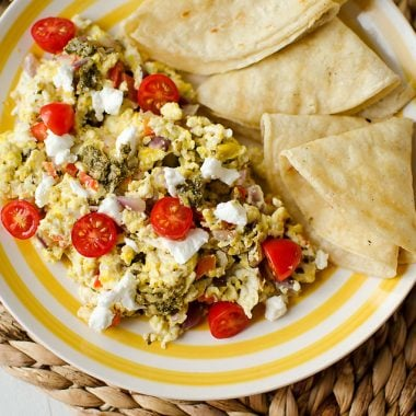 Goat Cheese & Pesto Veggie Scramble - Krafted Koch