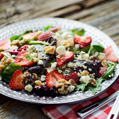 Strawberry & Gorgonzola Quinoa Salad - Krafted Koch
