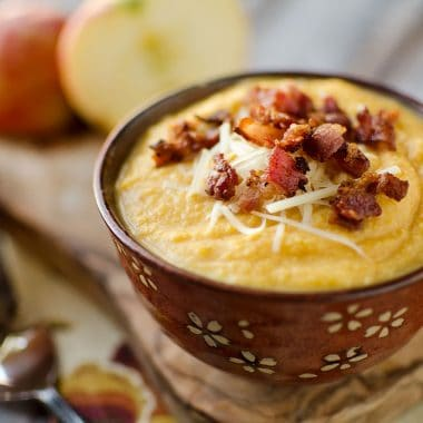 Roasted Butternut Squash and Bacon Soup - Krafted Koch - The BEST squash soup recipe!
