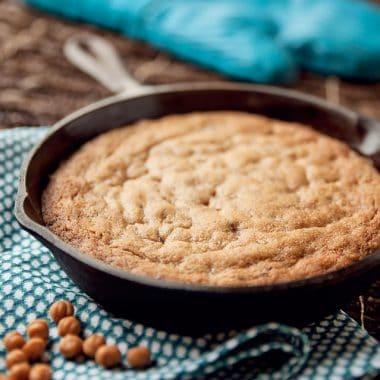 Caramel & Toffee Skillet Blonde Brownies - Krafted Koch