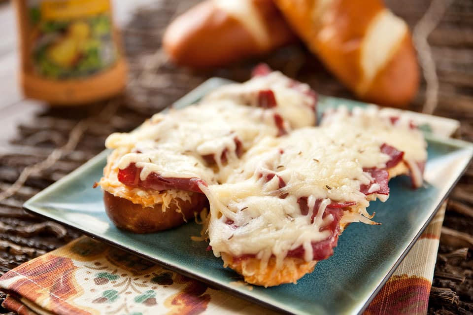 Cheesy Reuben Pretzel Bread - Krafted Koch