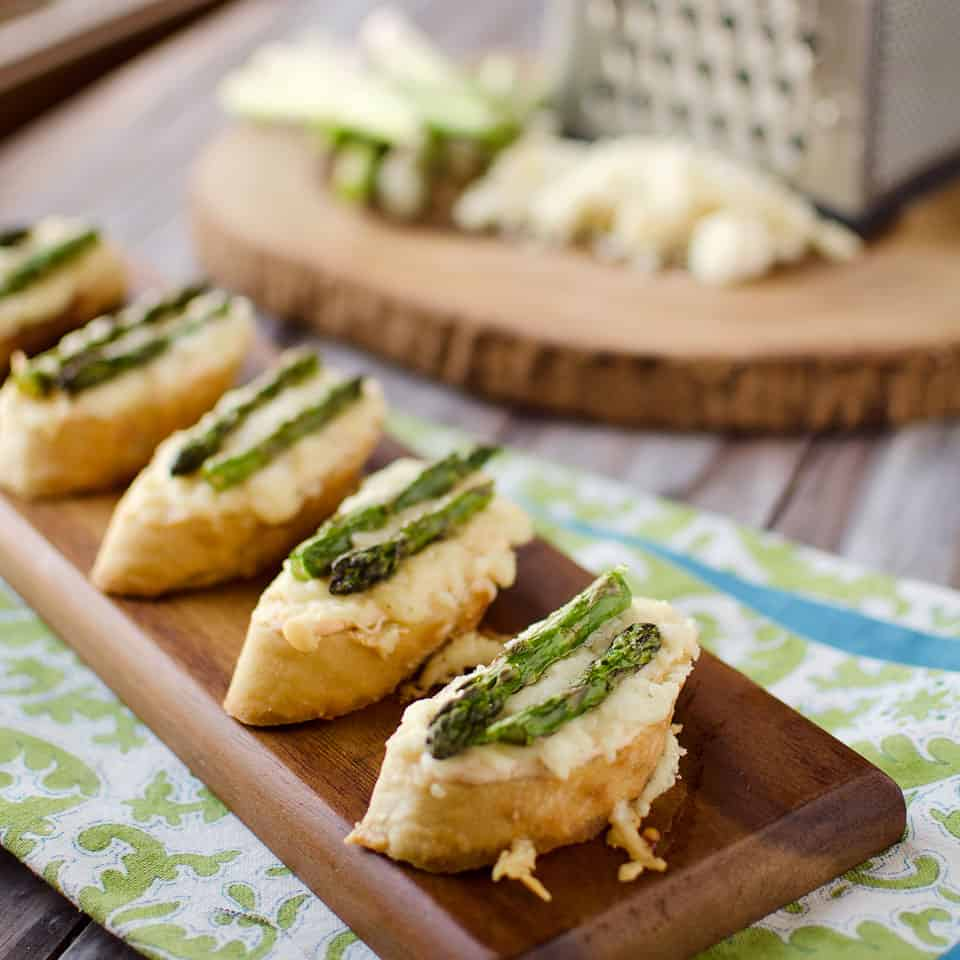 Smoked Salmon, Asparagus & White Cheddar Crostini - Krafted Koch
