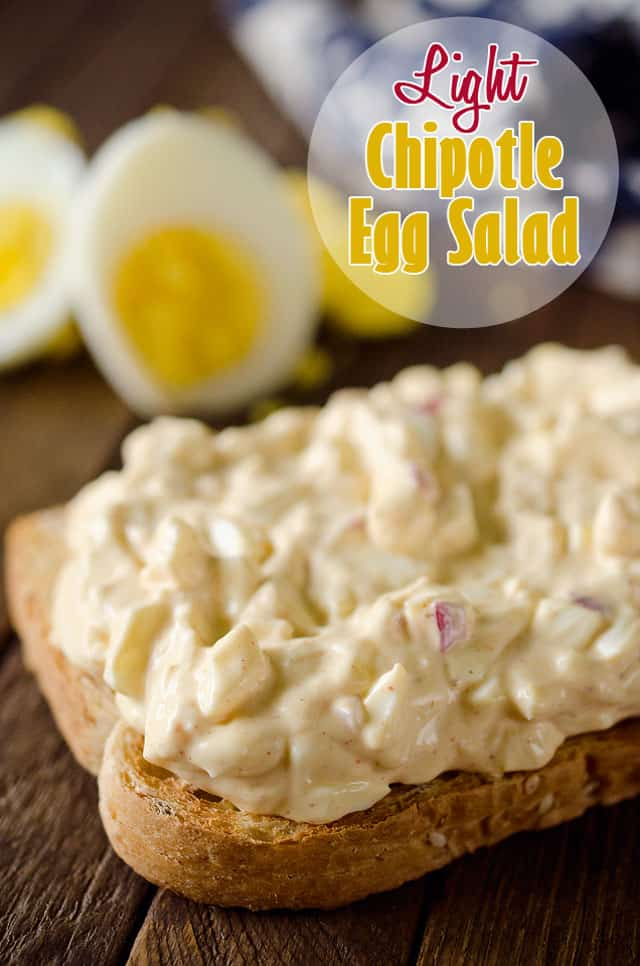 Light Chipotle Egg Salad - A quick and healthy lunch idea bursting with spicy chipotle flavor for a twist on this classic lunch! #EggSalad #Healthy #Sandwich #Lunch