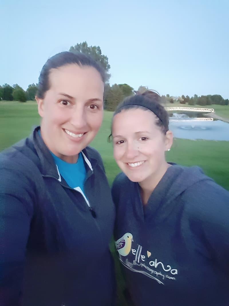 golfing-sisters