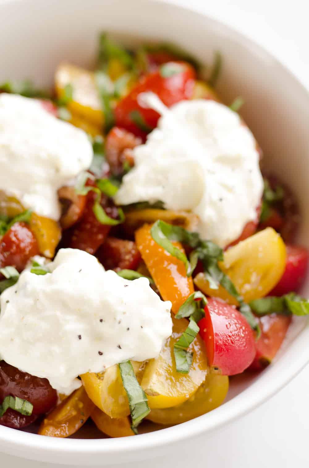Fresh Tomato Basil & Burrata Salad is a healthy and delicious salad ...