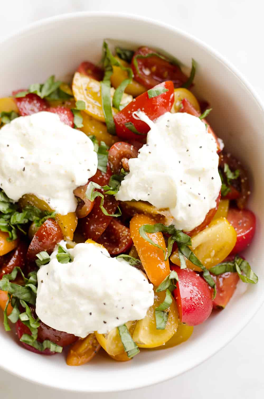 Fresh Tomato Basil & Burrata Salad is a healthy and delicious salad ...