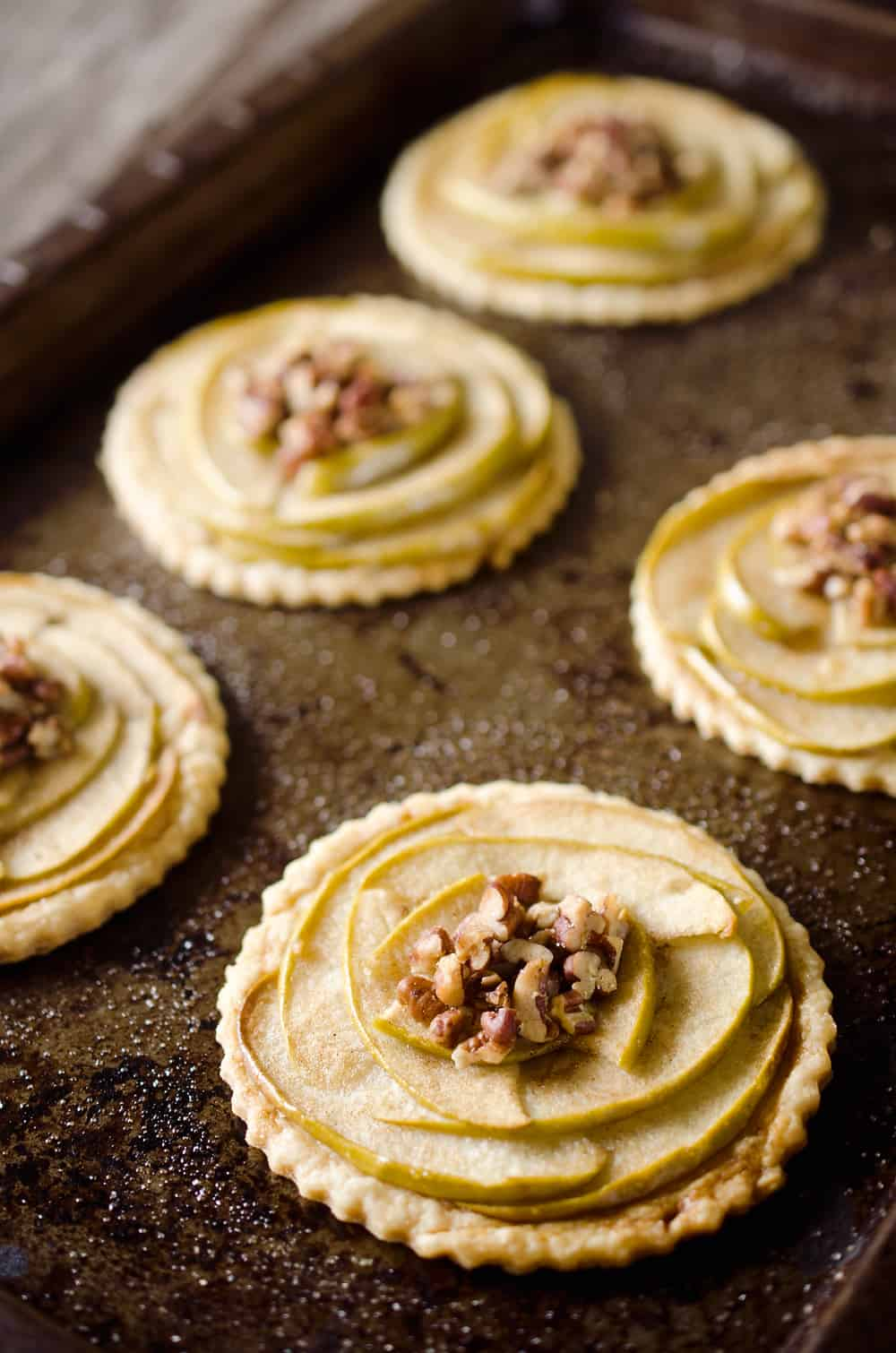 Mini Apple & Browned Butter Tarts are a perfectly light treat with ...