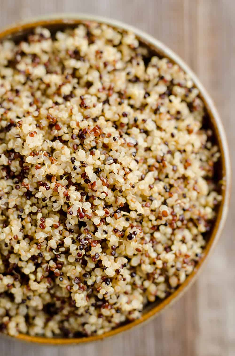 This is the Easiest Fluffy Quinoa Recipe you will make with the help of your Pressure Cooker. Set it and forget it for the best quinoa made in your Instant Pot in just 20 minutes.