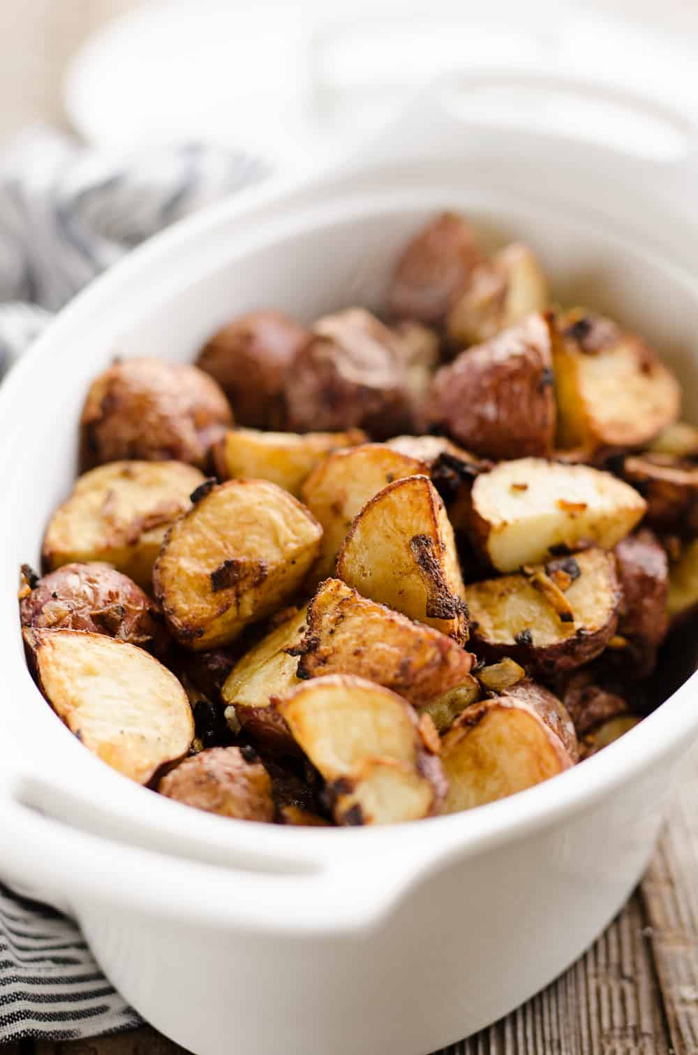 Airfryer Crispy Roasted Onion Potatoes served