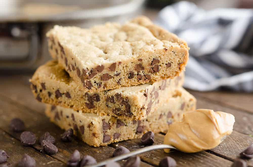 Peanut Butter Chocolate Chip Cookie Bars served