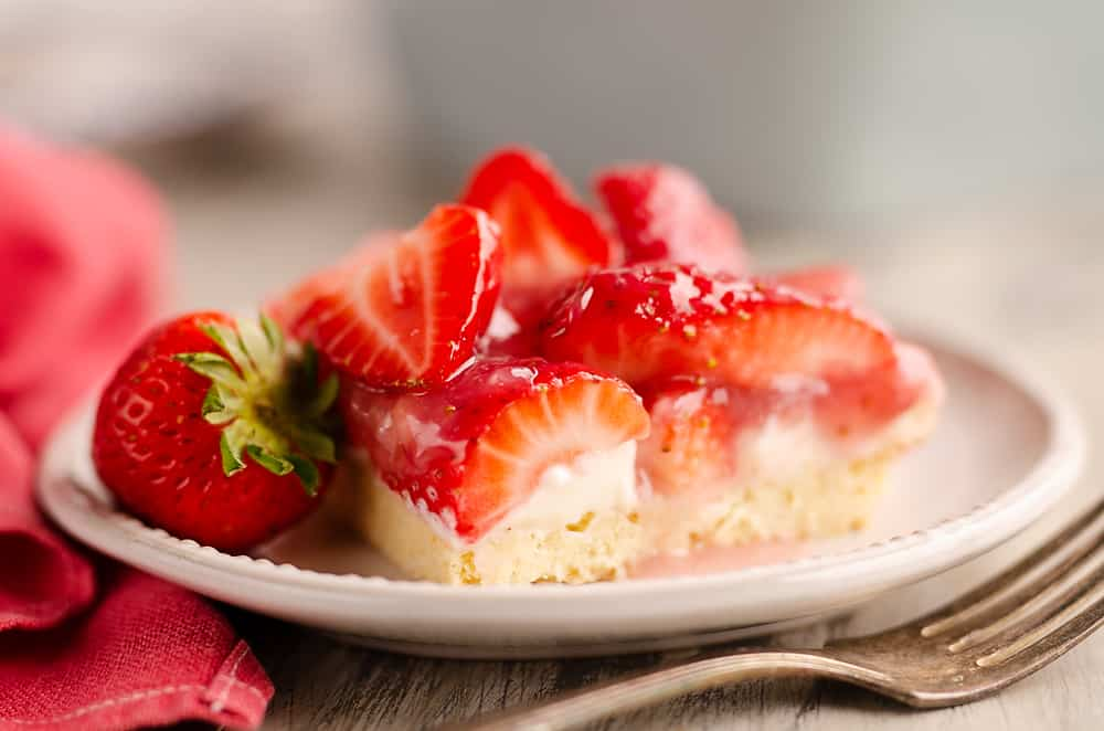 Fresh Strawberry Pie Bars Recipe Image