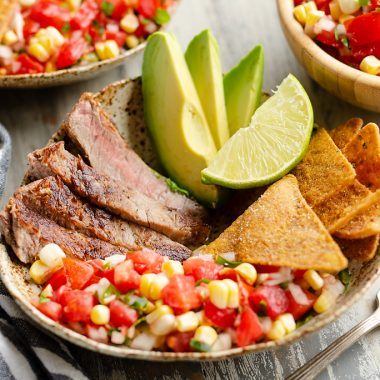 Garden Salsa Steak Bowl served with chips