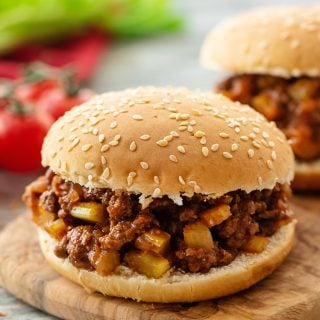 Homemade Sloppy Joes with tomates