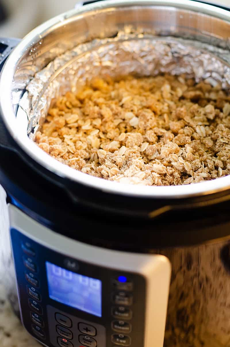 Crispy Pressure Cooker Apple Crisp in Instant Pot