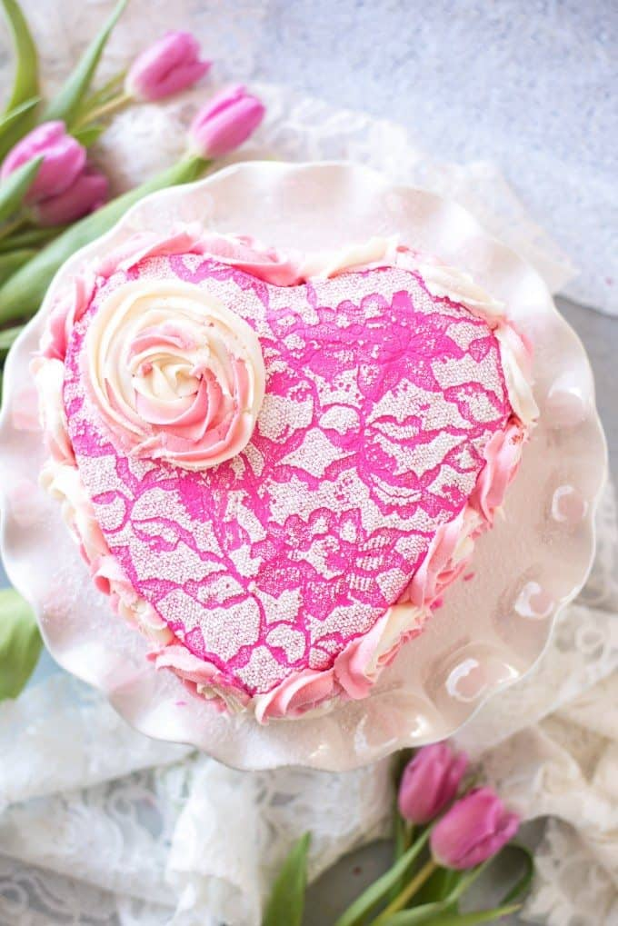 Easy Valentine's Day Cake Decorating Tutorial