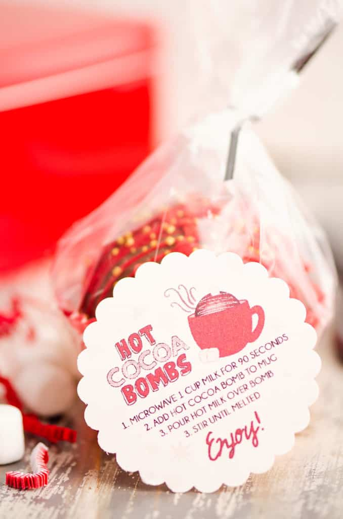 scalloped circle hot cocoa bomb label with packaged treat