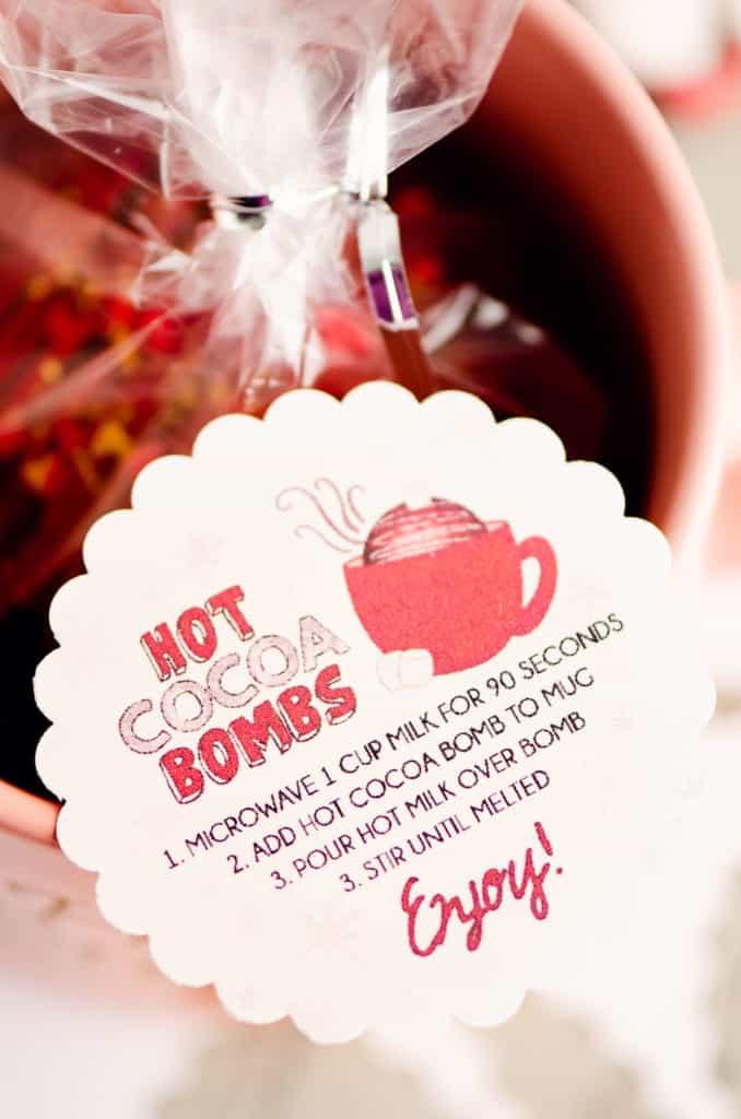 scalloped circle hot cocoa bomb label in coffee mug