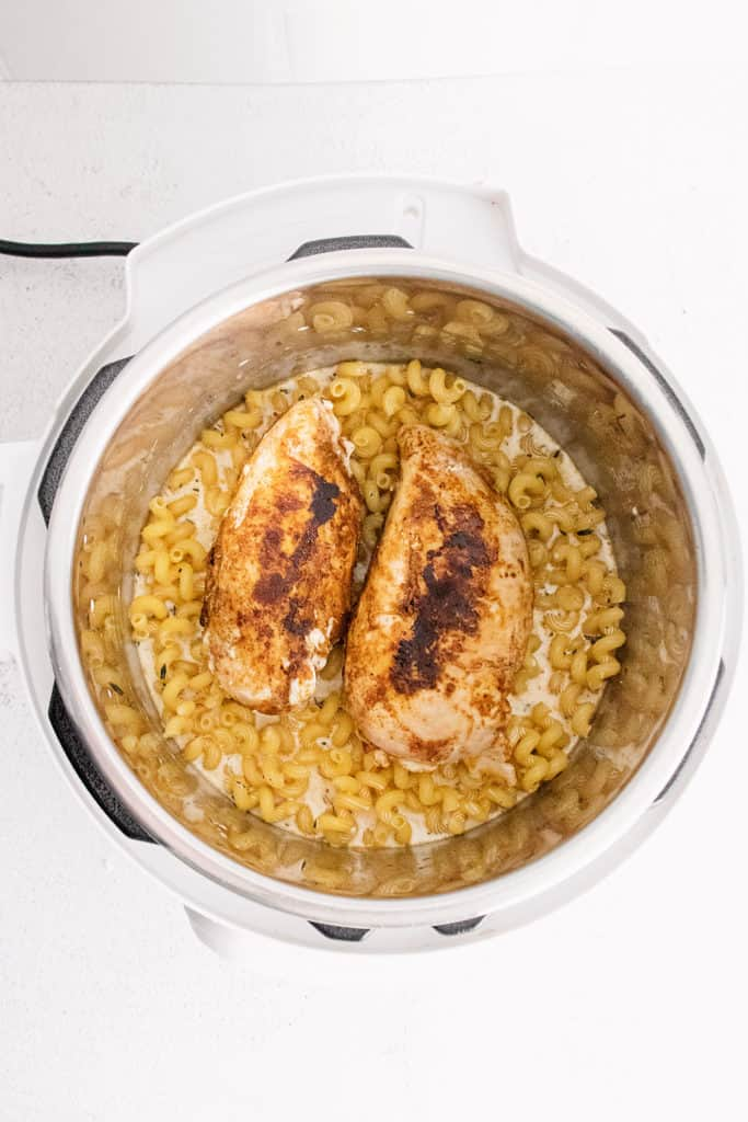 blackened chicken breasts in pressure cooker with pasta