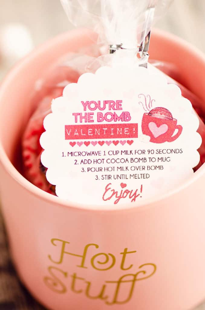 Valentine scalloped circle hot cocoa bomb label