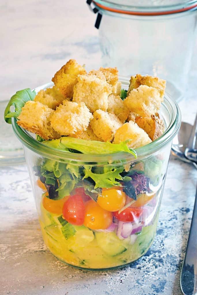 panzanella salad in a jar