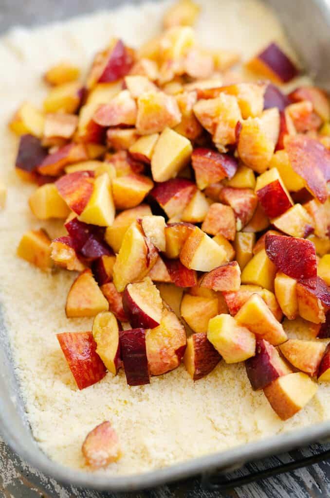 fresh peaches over cookie crust